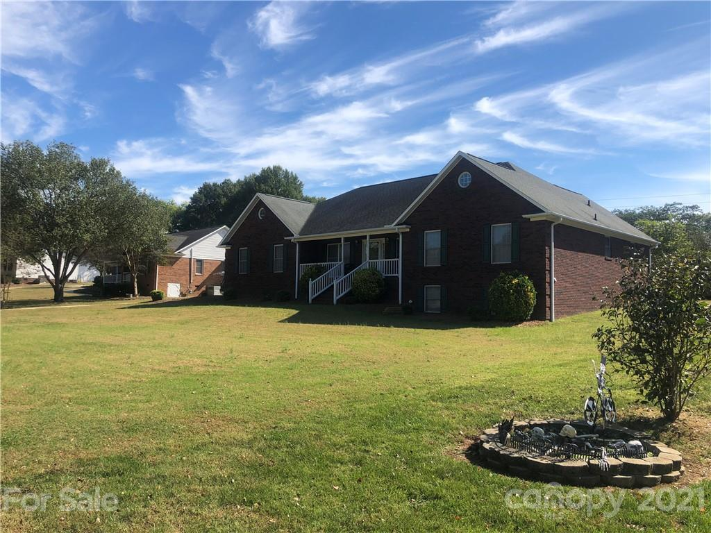 2653 Woodcrest Drive SW Concord, NC 28027