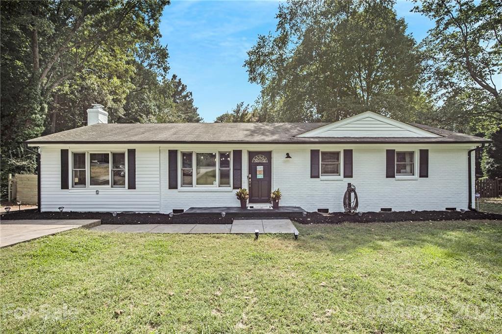 5601 Hucks Road Charlotte, NC 28269